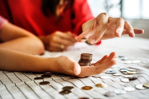 hand-ophouden-geld