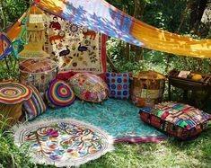 gezellige tuin met kussens